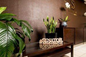 senator холл