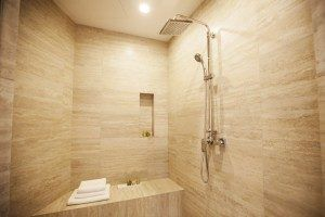 shower STUDIO APARTMENT