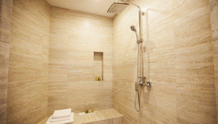 shower STUDIO APARTMENT