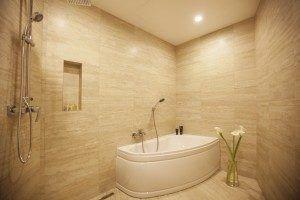 hotel bathroom Senator Maidan