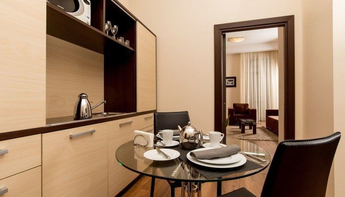 столовая в апартаментах