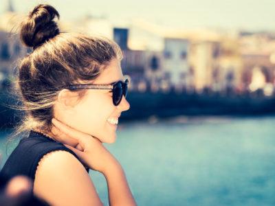 girl smiles photo