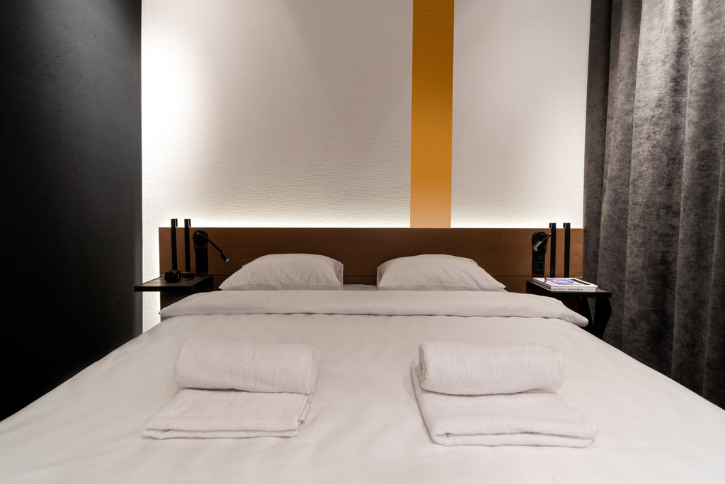 """The Wanderer Room<br />(Double room, sleeps 2)"""" width=""""700″ height=""""400″ /></a></div> <h3 class="""
